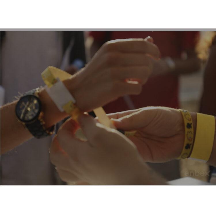 El auge del uso de las pulseras publicitarias